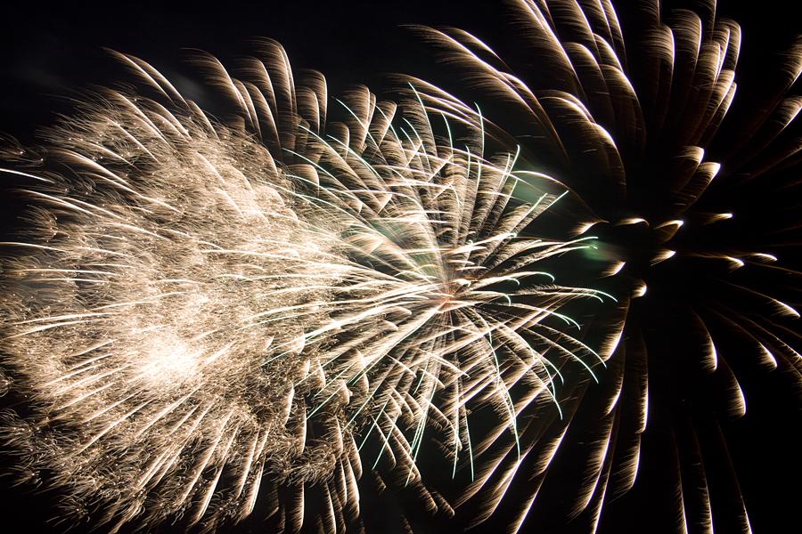 Silbener Feuerwerkseffekt