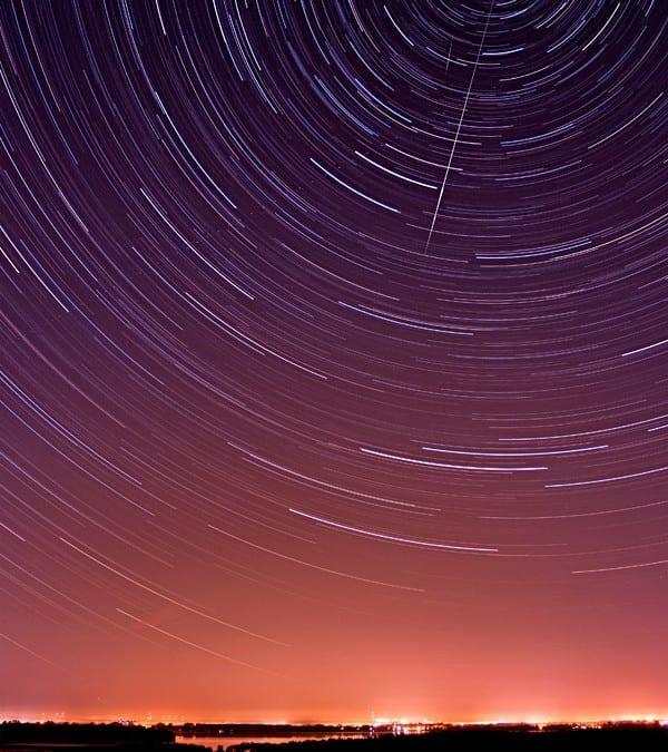 Sternschnuppen über dem See