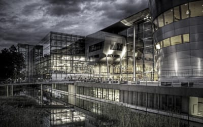 Die Gläserne VW Manufaktur in Dresden
