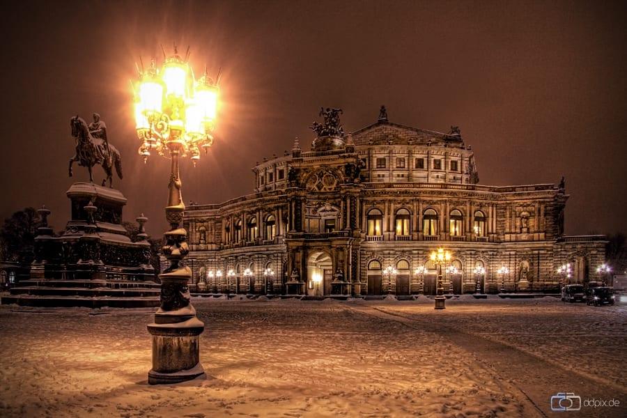 winterliche Oper