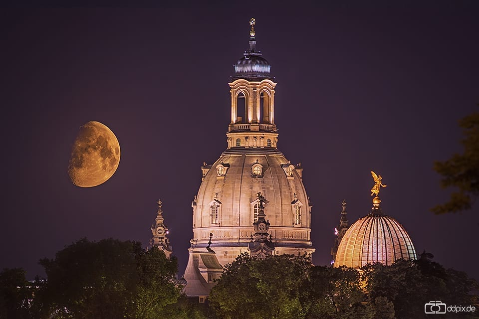 Monduntergang über Dresden