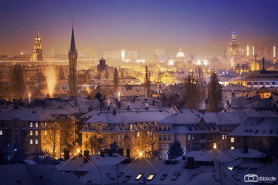 Blick über das verschneite Dresden