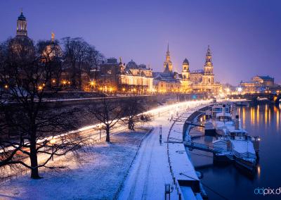 00349 | Blick von der Carolabrücke auf die winterliche Altstadt