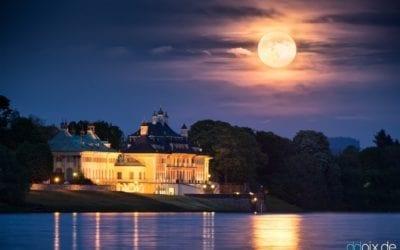 Mondaufgang am Schloss Pillnitz