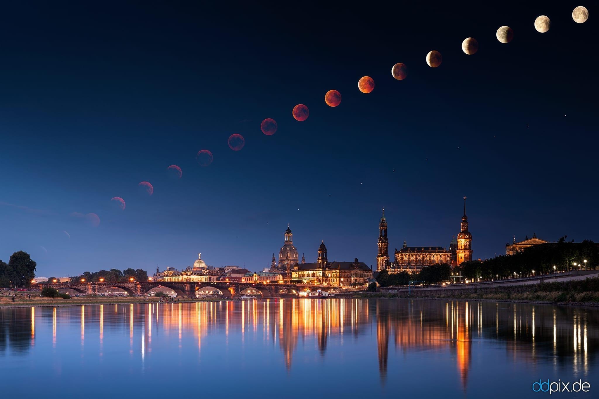 Totale Mondfinsternis über Dresden