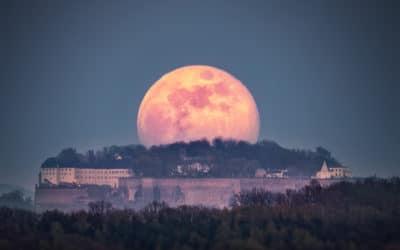 Mondaufgang hinter der Festung Königstein